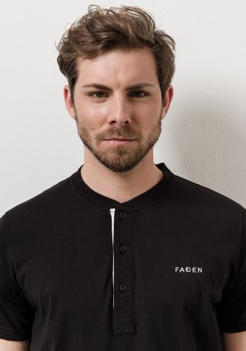 Faden V-Neck T-Shirt /sw